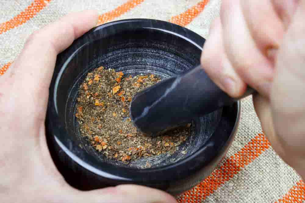 Different methods on grinding herbs   amateurchef.co.uk