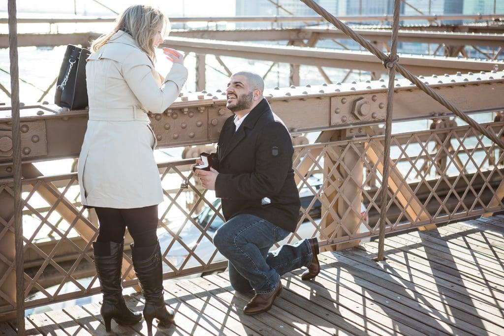Photo Marriage proposal at Brooklyn bridge   VladLeto