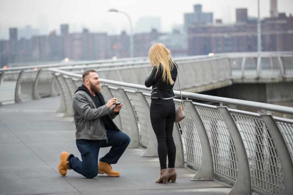 Photo Greenpoint Brooklyn marriage proposal at secret spot. | VladLeto