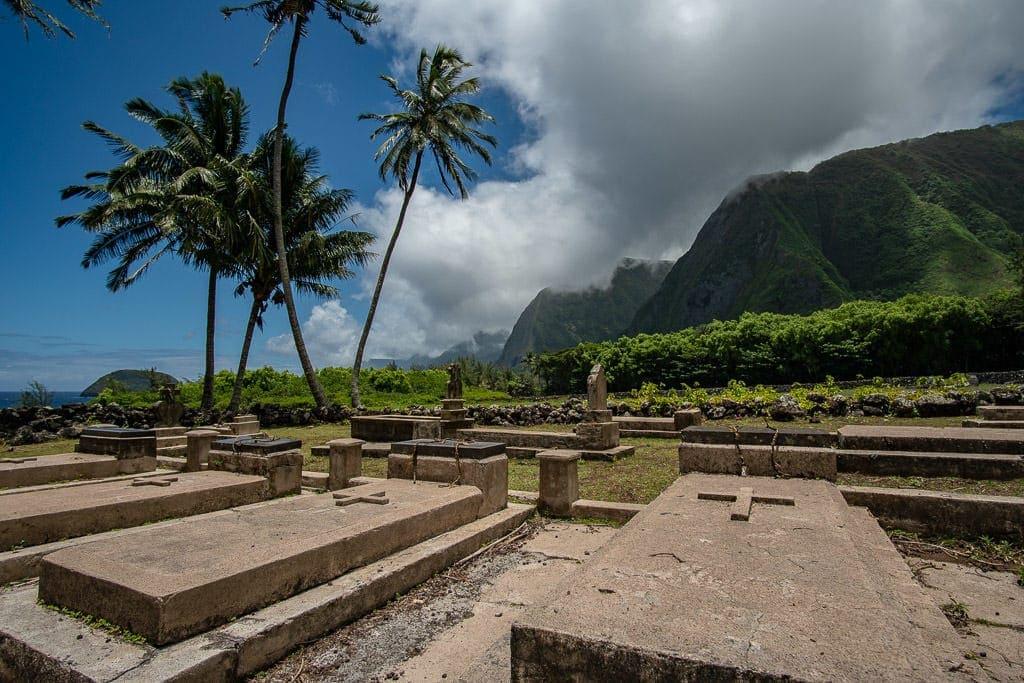 gravesite at kalaupapa molokai