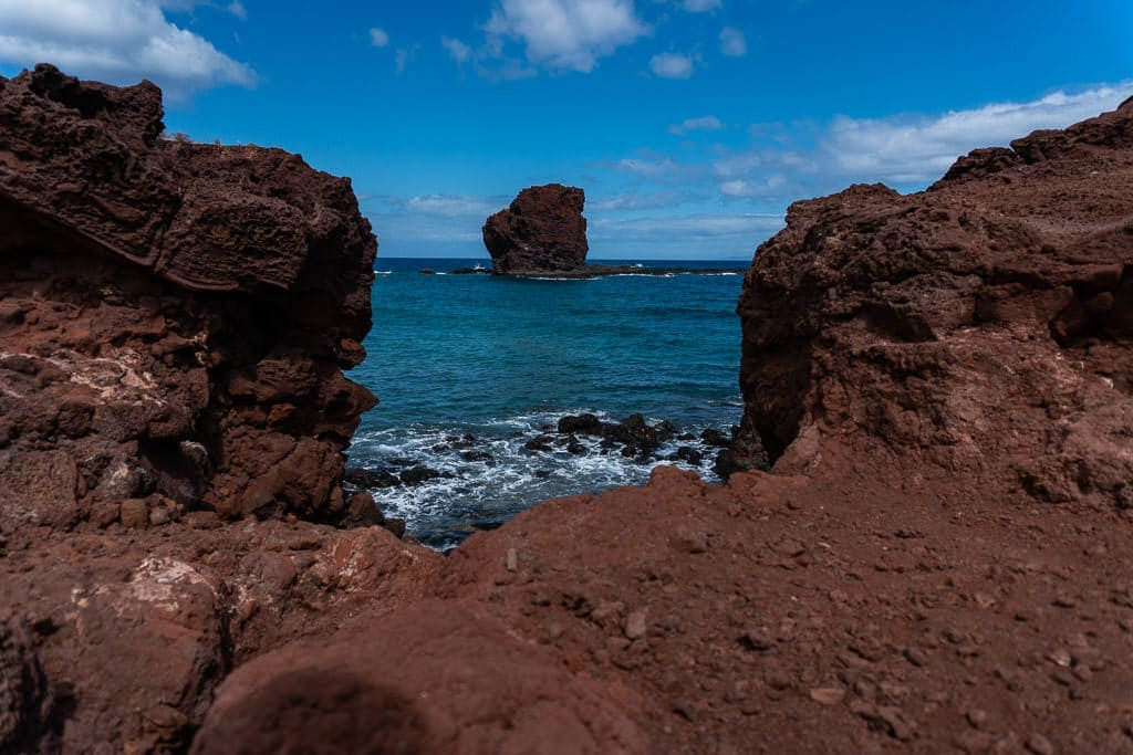 sweetheart rock and ocean views on day trip to lanai