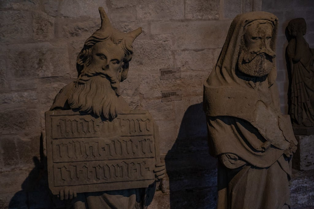 statue of moses depicted with horns due to a translation error in rothenburg museum