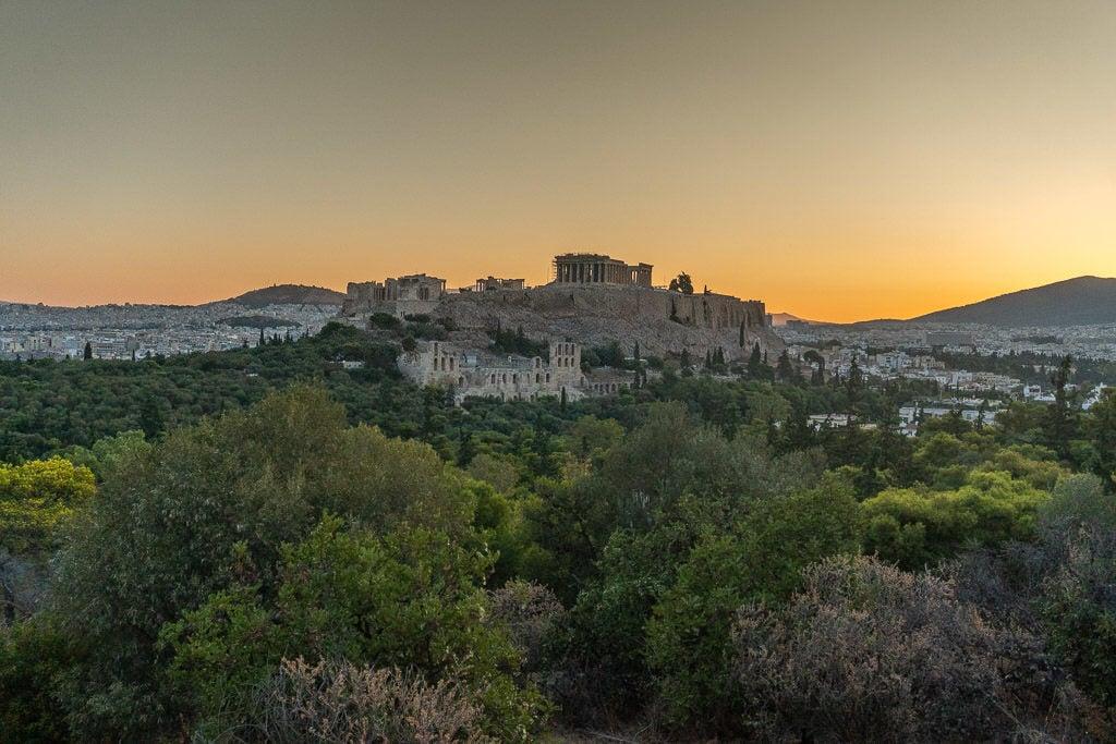 athens on a budget - acropolis sunrise
