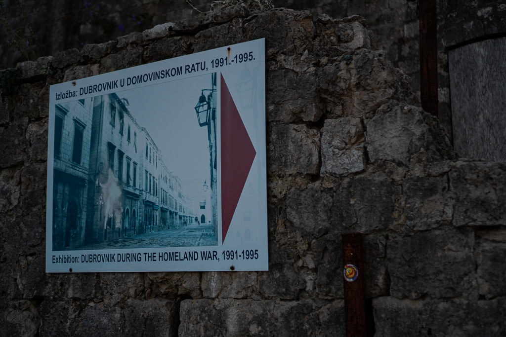 Sign and broken wall on Fort Imperial