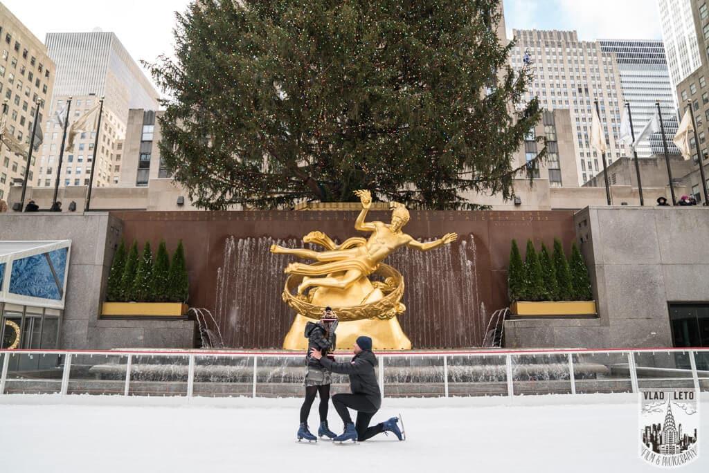Photo Ice Skating Marriage Proposal at The Rink at Rockefeller Center | VladLeto