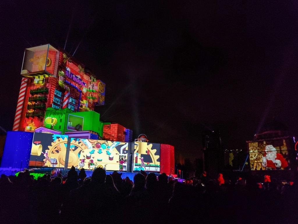 disneyland paris Christmas light show