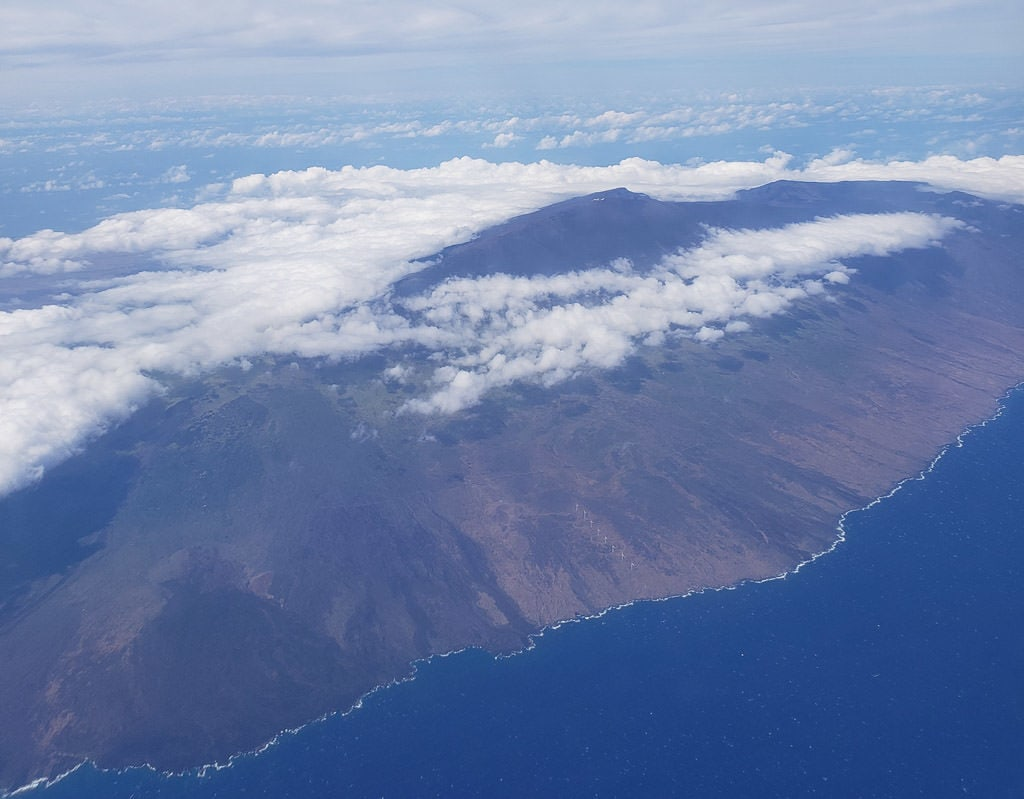aerial view of the big island hawaii when flying in