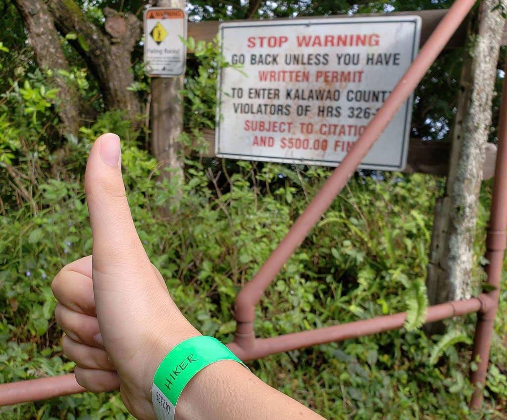 trail beginning for Hiking to Kalaupapa in Molokai