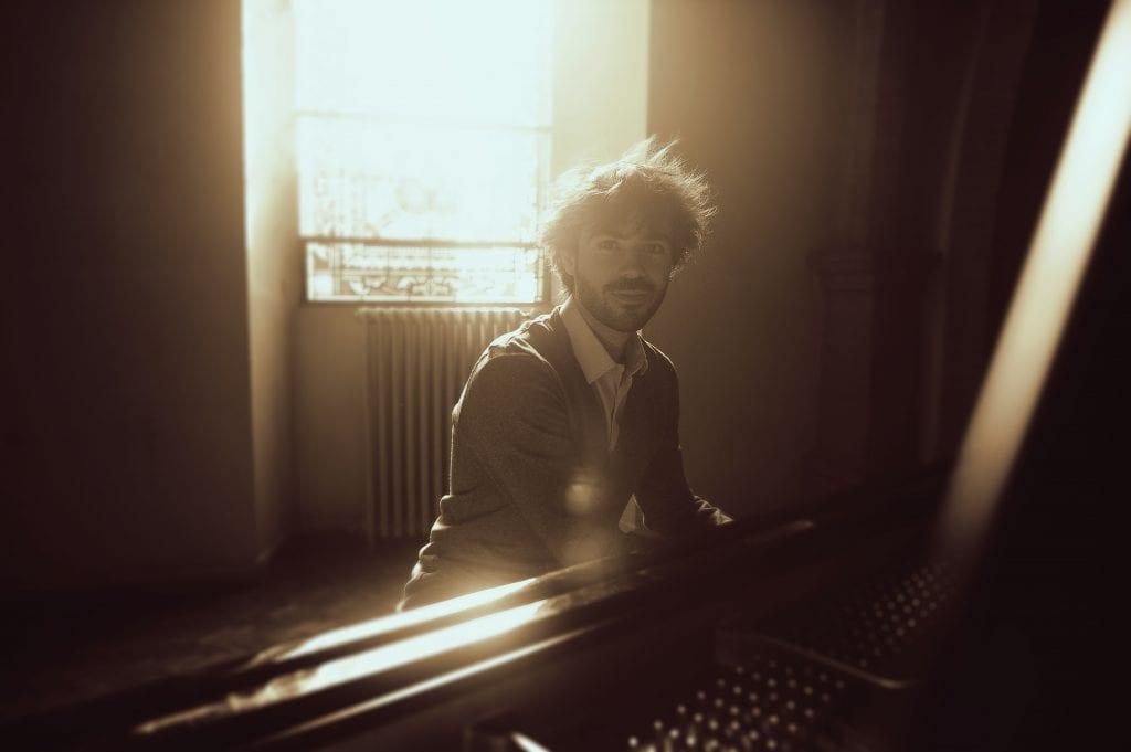 Greg Aguilar au piano