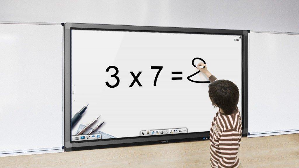 Het SpeechiTouch touchscreen op school