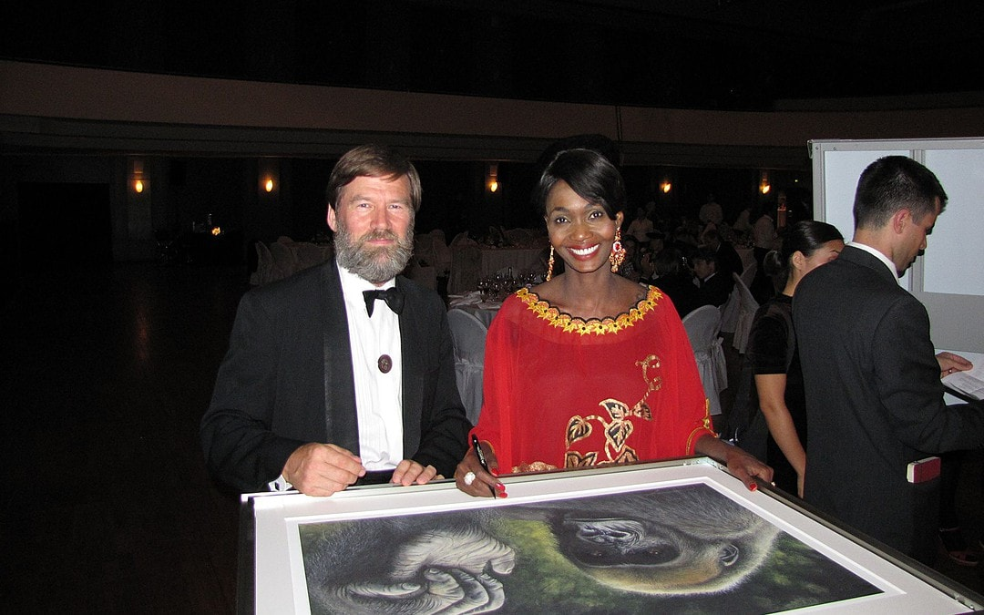 Ian Redmond and Princess Odette Autograph Gorilla Paintings in Support of Great Ape Conservation
