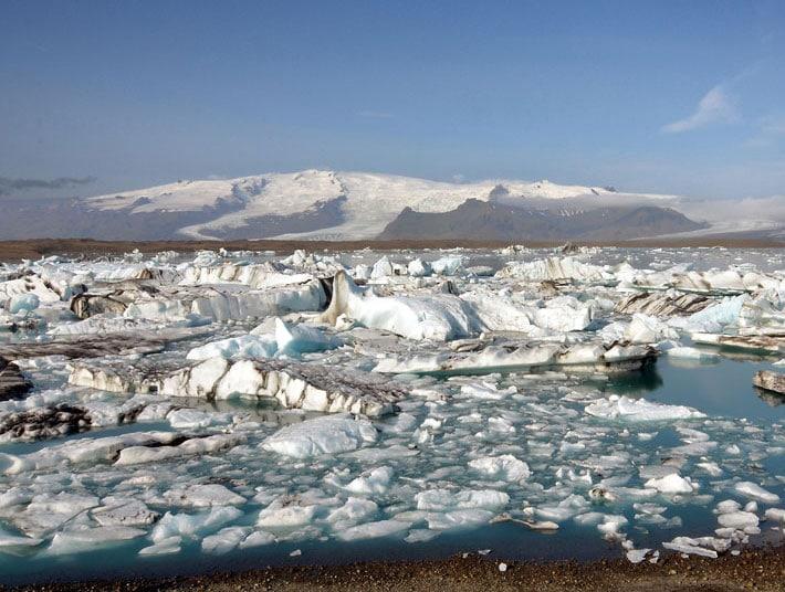Iceland's Glacier Lagoon, Fjaðrárgljúfur Canyon & Other Scenic Hikes