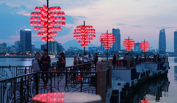 TOP 10 HOT SPOTS FOR AMAZING PICTURES IN DANANG