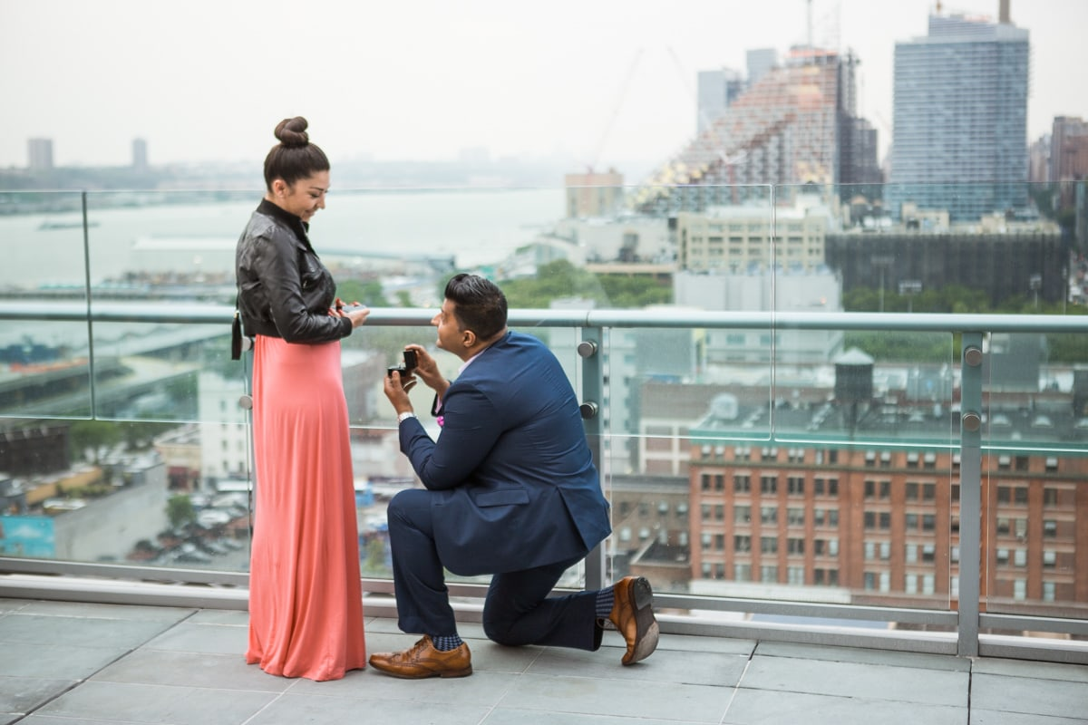 Photo Roof top marriage proposal | VladLeto