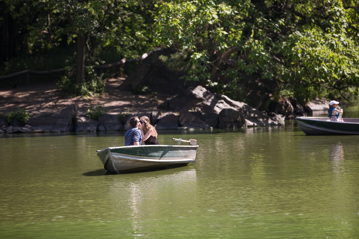 Photo 5 Central Park Marriage Proposal on a raw boat   VladLeto