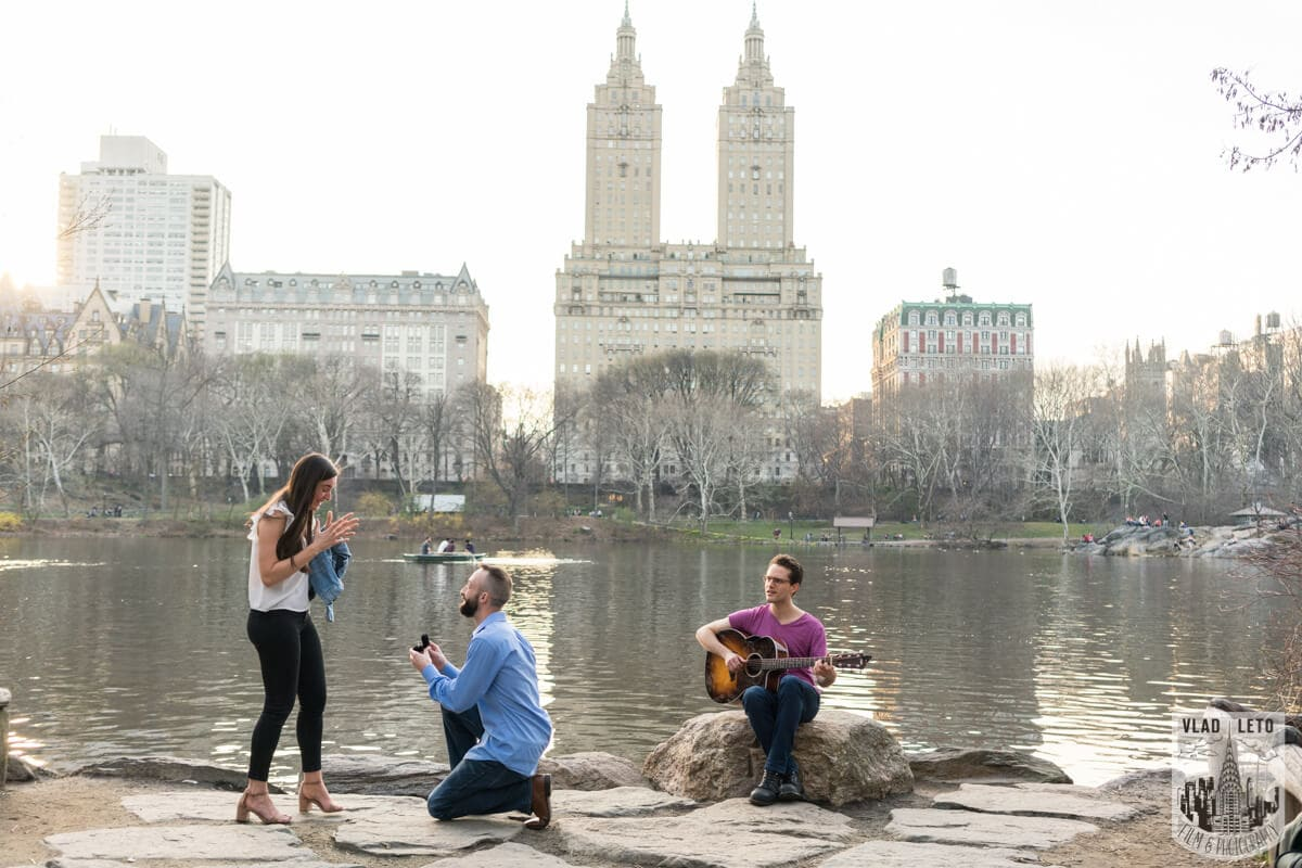 Photo Central Park Marriage Proposal at The Lake Viewing Area | VladLeto