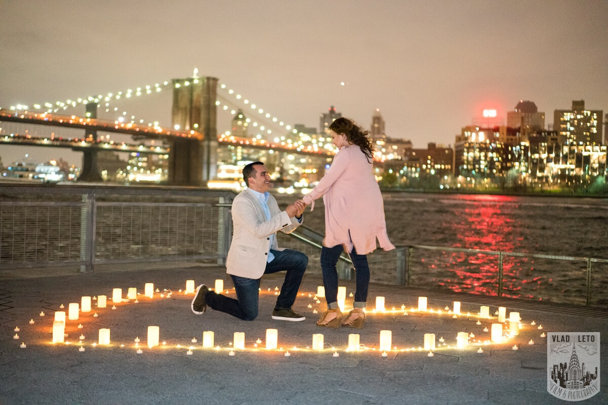 Photo Marriage proposal at Pier 15 with mariachi band, NYC   VladLeto