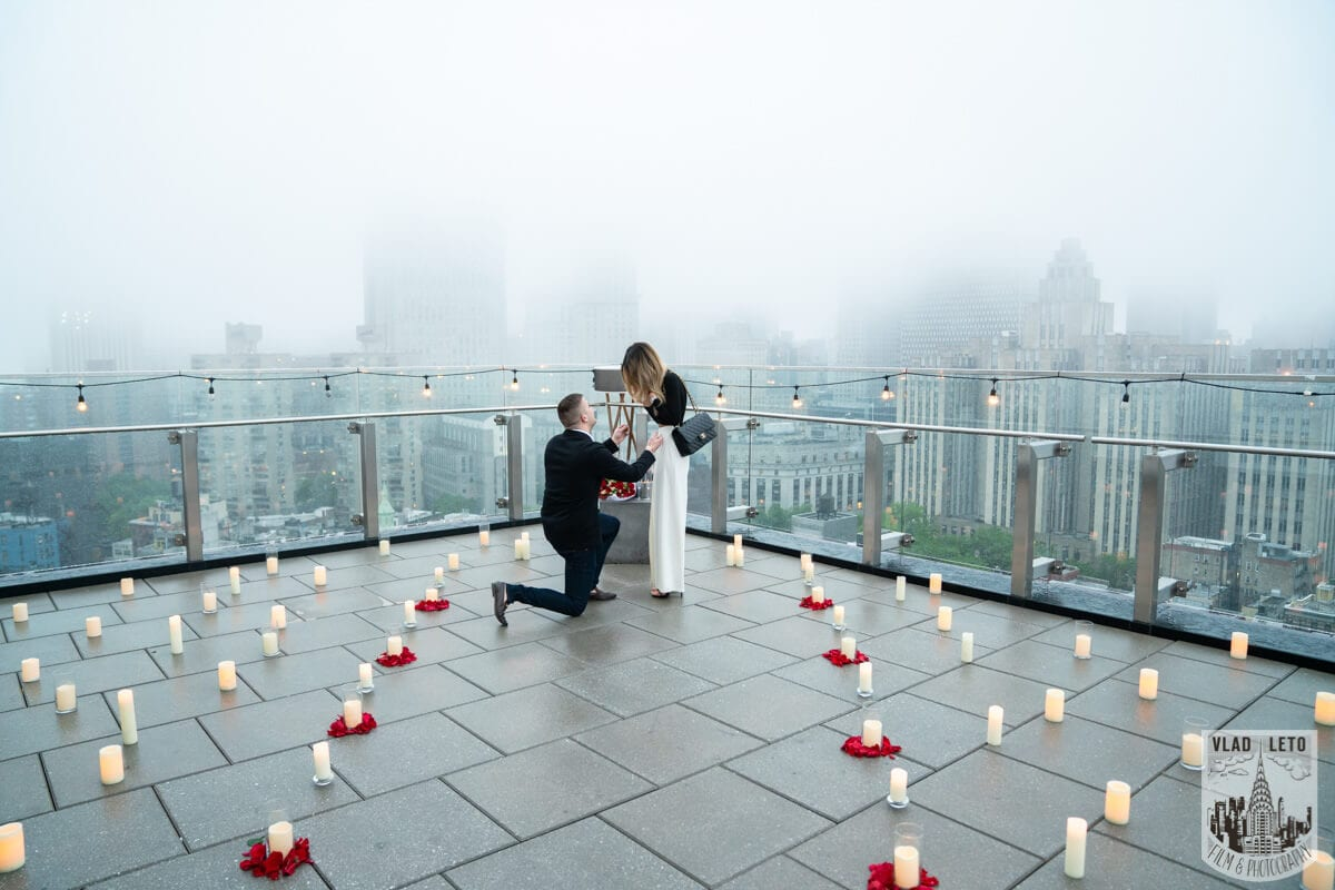 Photo 2 Surprise Proposal on a rooftop in Downtown Manhattan. | VladLeto