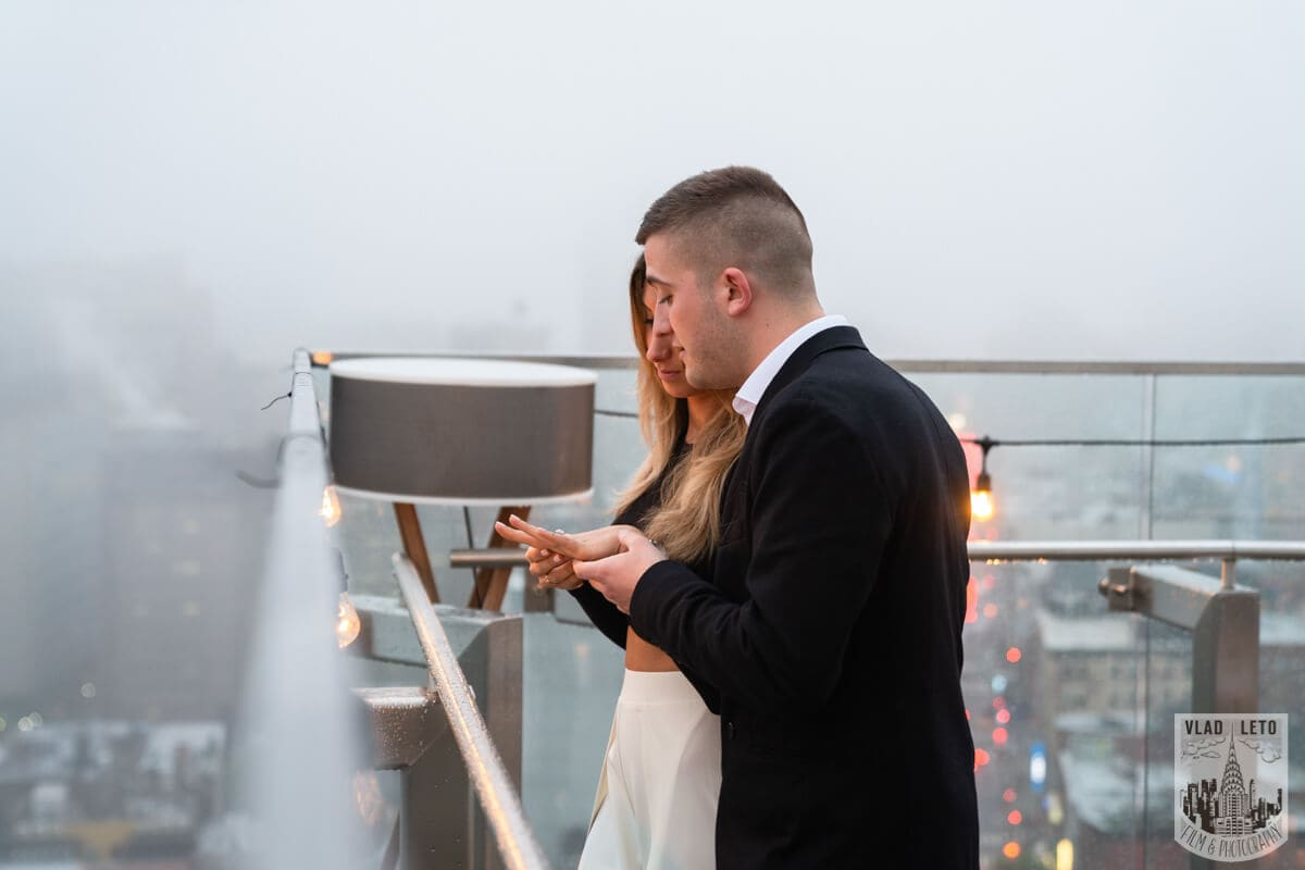 Photo 3 Surprise Proposal on a rooftop in Downtown Manhattan. | VladLeto