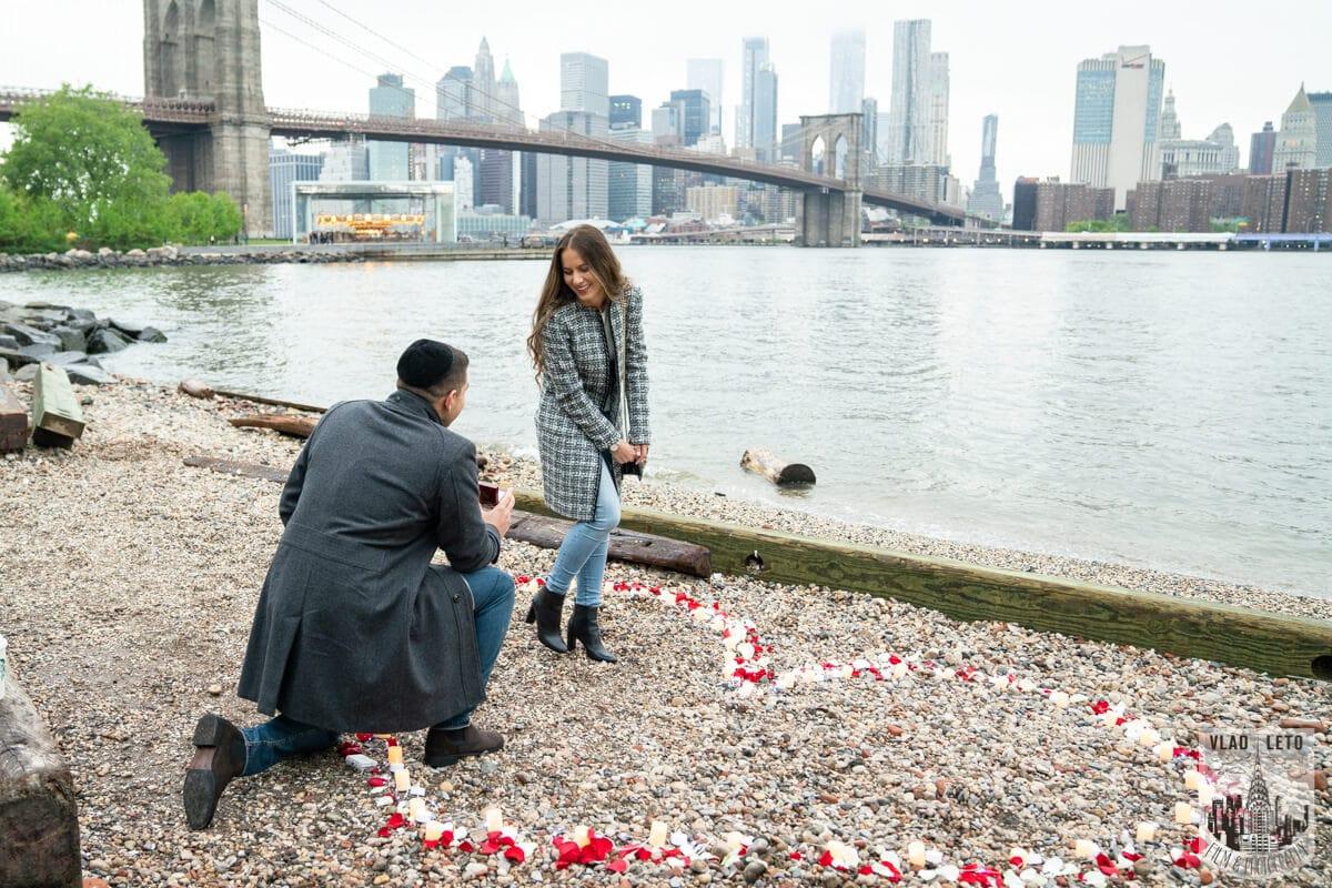 Photo 2 Surprise Marriage Proposal in Dumbo, Brooklyn | VladLeto