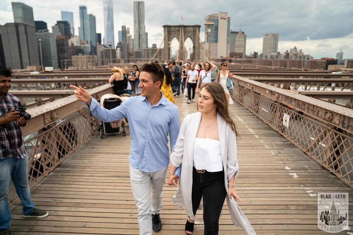 Photo 5 Brooklyn Bridge Engagement Photos | VladLeto