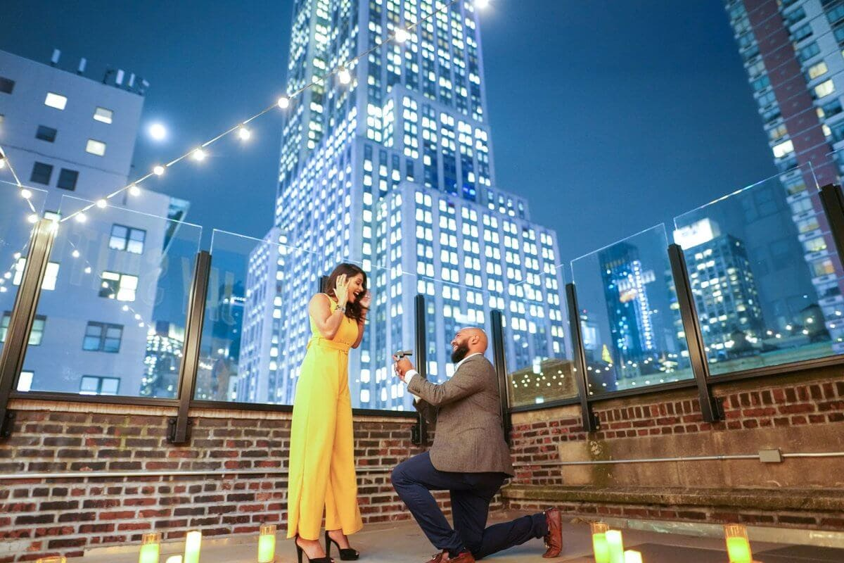 Photo Rooftop proposal in NYC   VladLeto