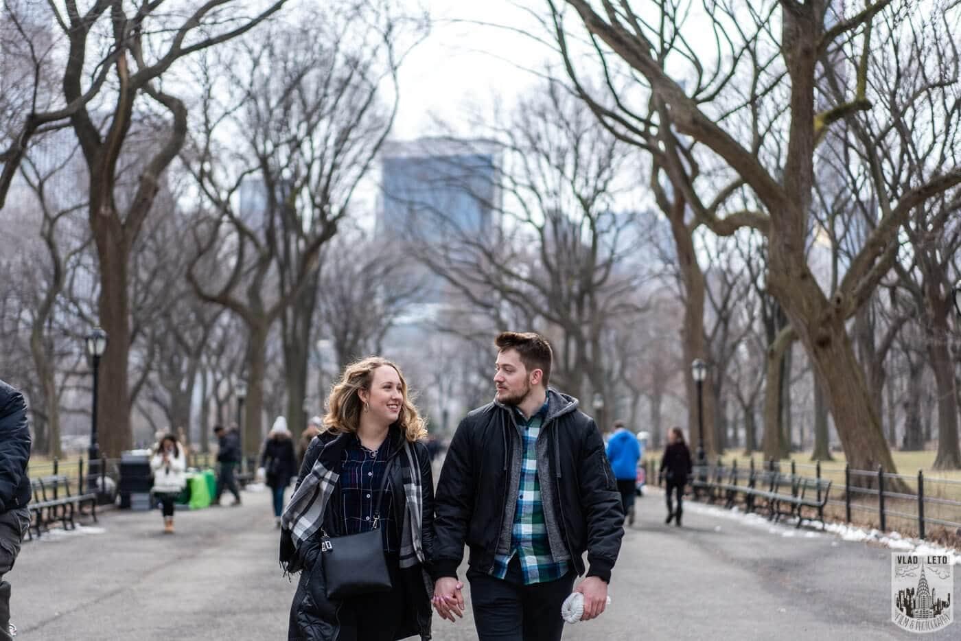 Photo 4 Bow bridge wedding proposal in Central Park   VladLeto