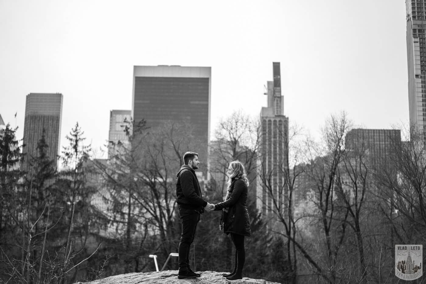 Photo 5 Bow bridge wedding proposal in Central Park   VladLeto