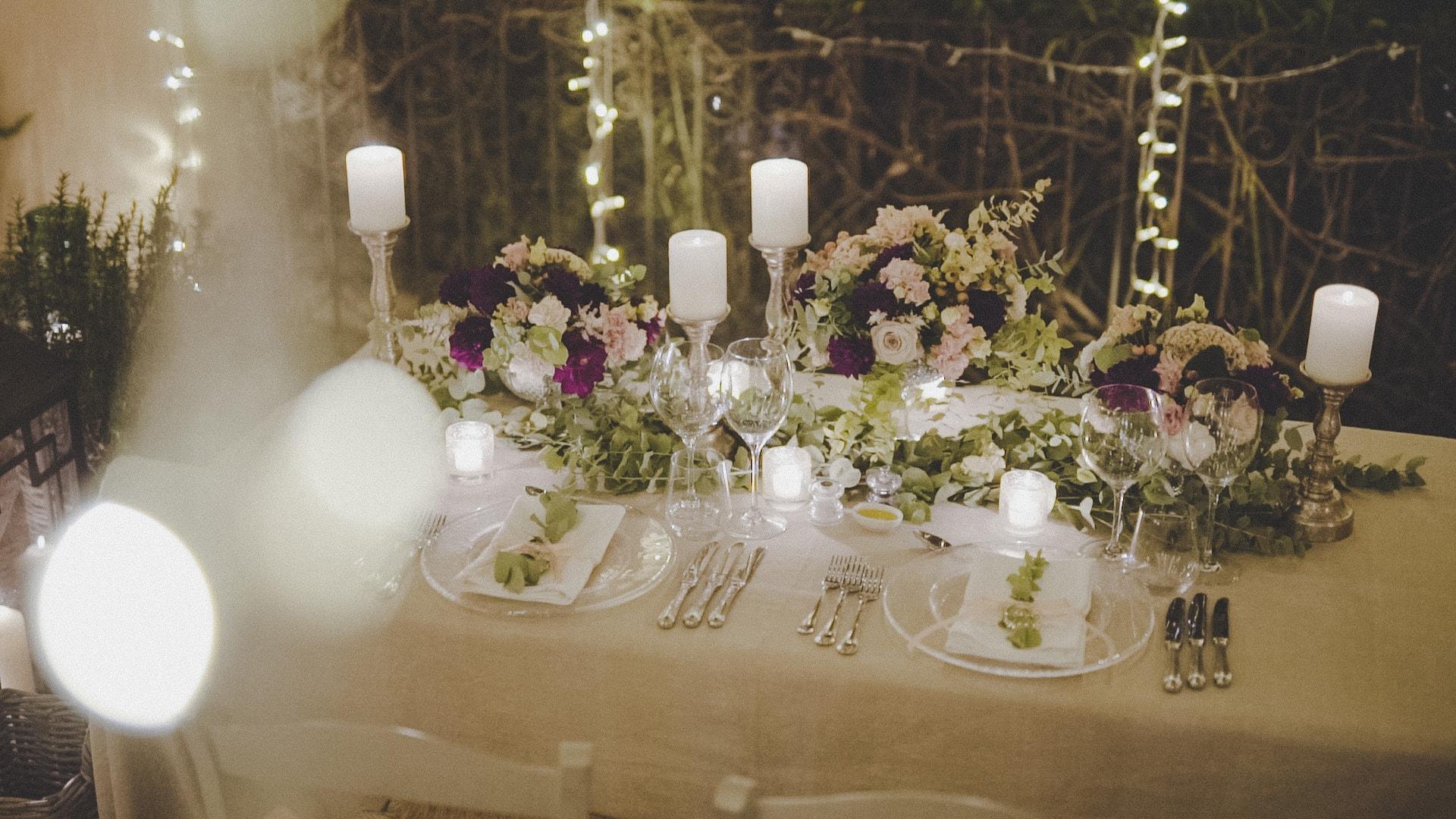 tavolo degli sposi addobbato