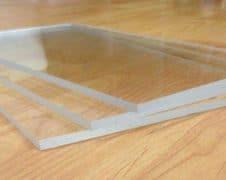 best way to cut plexiglass
