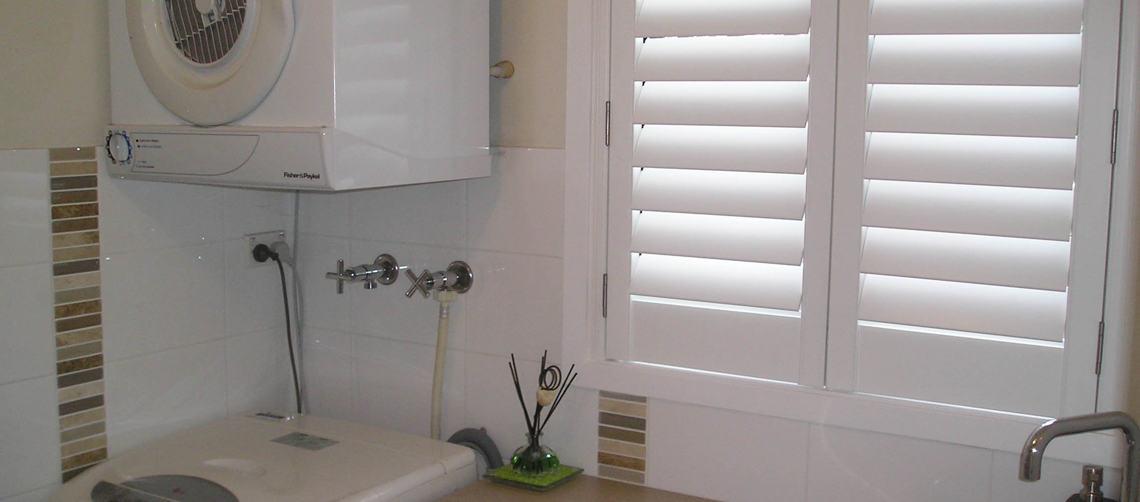 Thermopoly Shutters Laundry