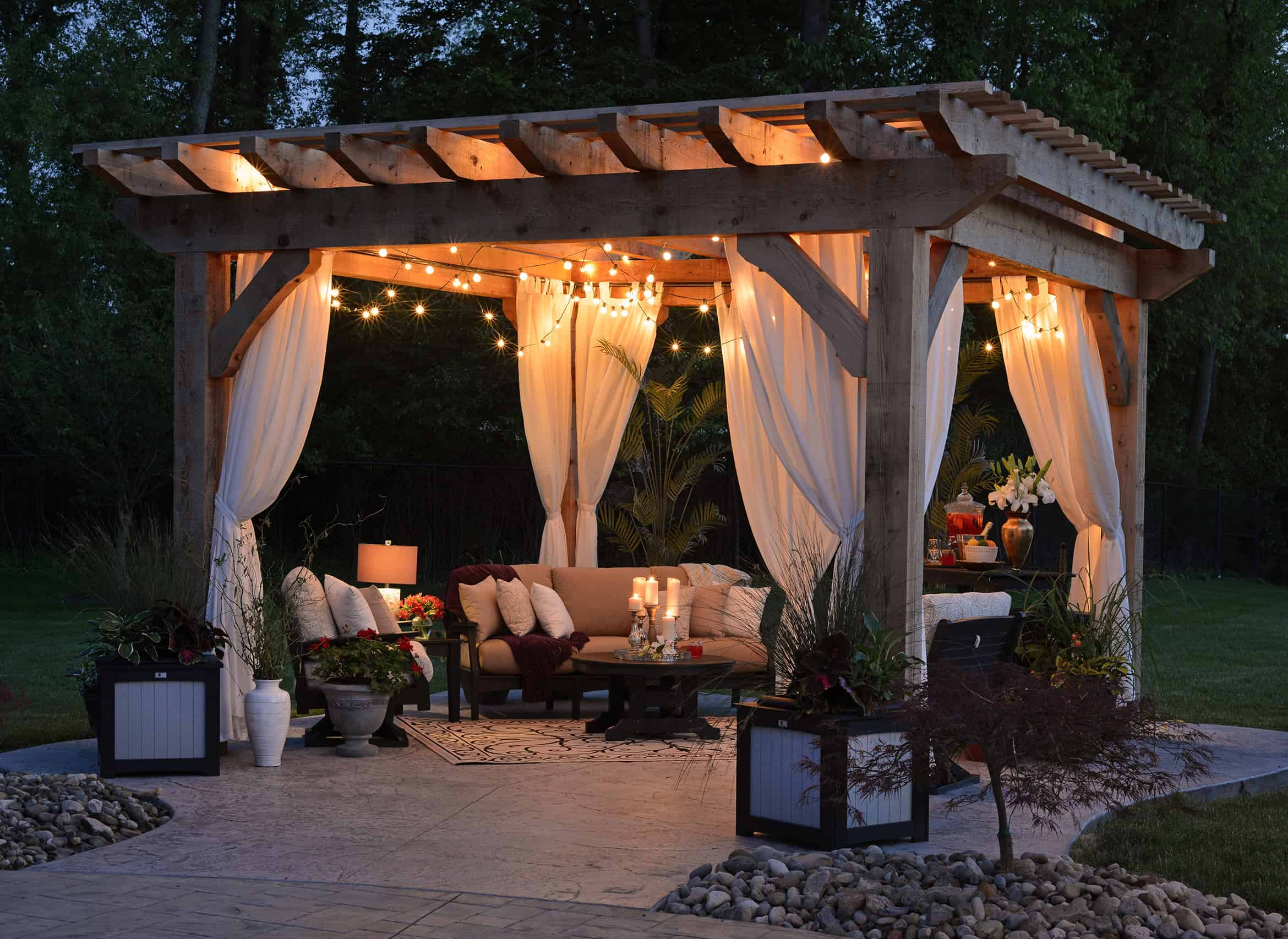 Best-Patio-Deck-Propane-Fire-Pits-For-Cozy-Evenings-2020-cozy-minds