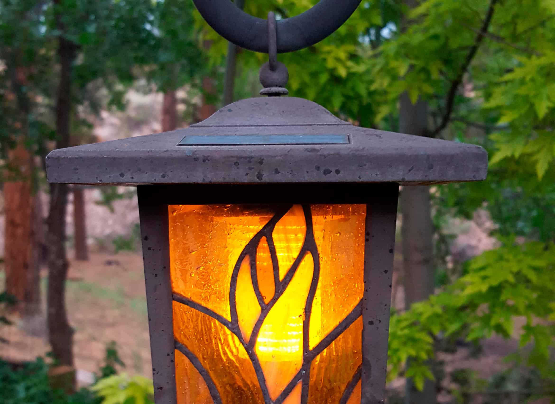 Top-5-Decorative-Outdoor-Hanging-Solar-Power-Lanterns-2020-cozy-minds2