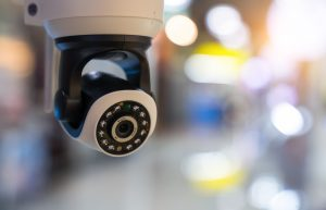 Sicher vor ungebetenen Gästen durch Überwachungskameras mit der Hilfe von Tipp zum Bau.