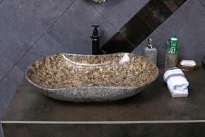 Naturstein im Badezimmer ist ein echter Hingucker – Tipp zum Bau verrät Ihnen, wie Sie ihn dort verwenden.