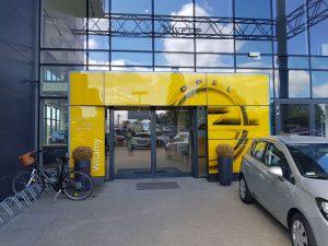 Rebranding salonu samochodowego