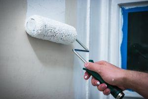 Tipp zum Bau liefert Ihnen alle wichtigen Informationen rund um die Grundierung Ihrer Wand.