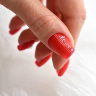czerwone-krótkie-paznokcie-hybrydowe-inspiracja