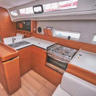 Jeanneau Sun Odyssey 410 sailboat rental | Füredyacht Charter