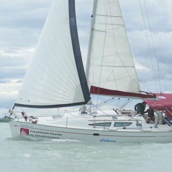 Jeanneau Sun Odyssey 35 túrahajó bérlés Balaton | Füredyacht Charter