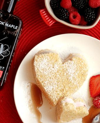 Vanilla Ice Cream Cake with Strawberry