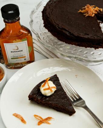 Flourless Chocolate Cake by Runamok Maple