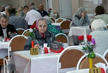 хорошая еда в доме престарелых