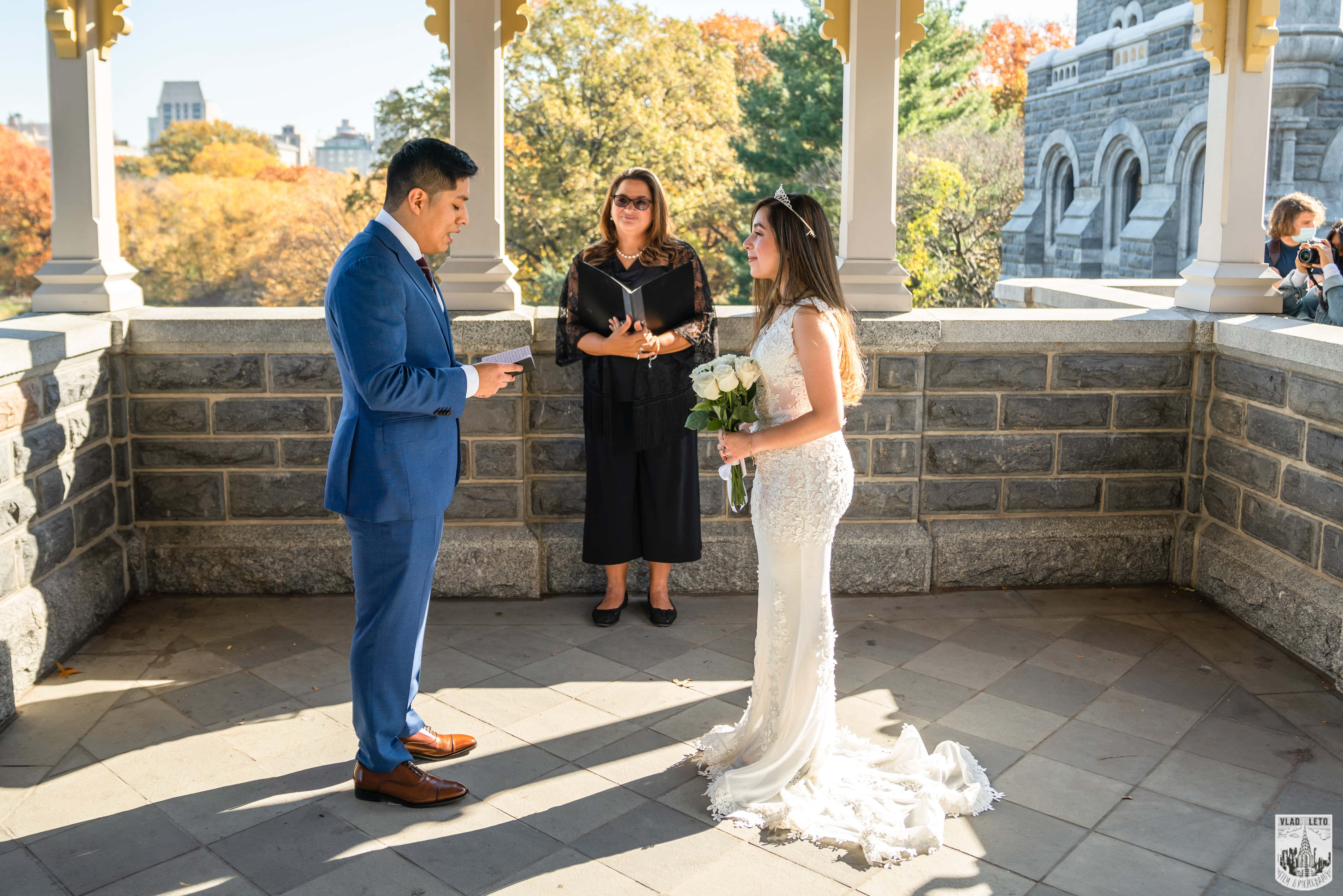 Photo 7 Francisco and Maria wedding ceremony at the Belvedere Castle