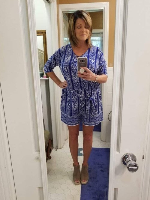 What to wear to a brunch date, Brunette in blue romper and wedge heels