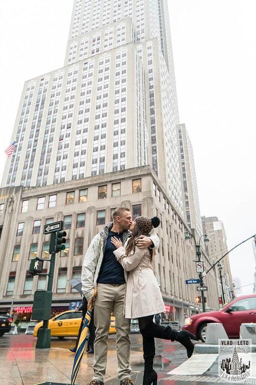 Photo 10 Foggy day Empire State building proposal | VladLeto