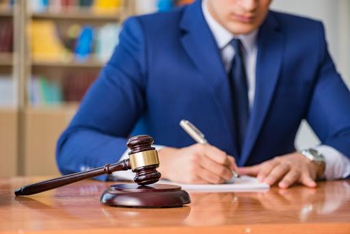 بهترین وکیل در کرج | میلاد بیک ویردیلو وکیل پایه یک دادگستری