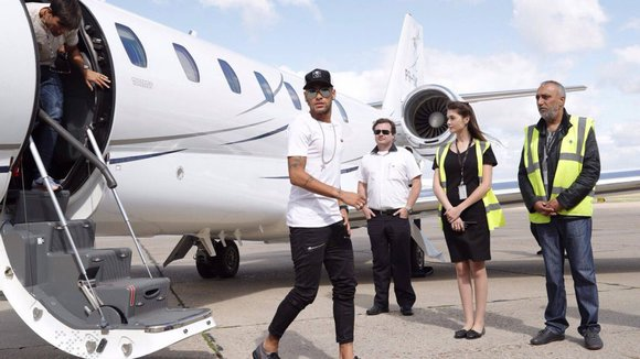 footballers with private jets: neymar