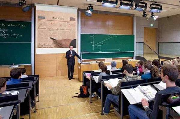 lợi ích của máy chiếu trong giảng dạy