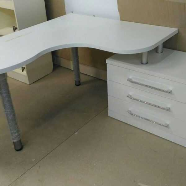 Офисный угловой стол 1600*1300мм